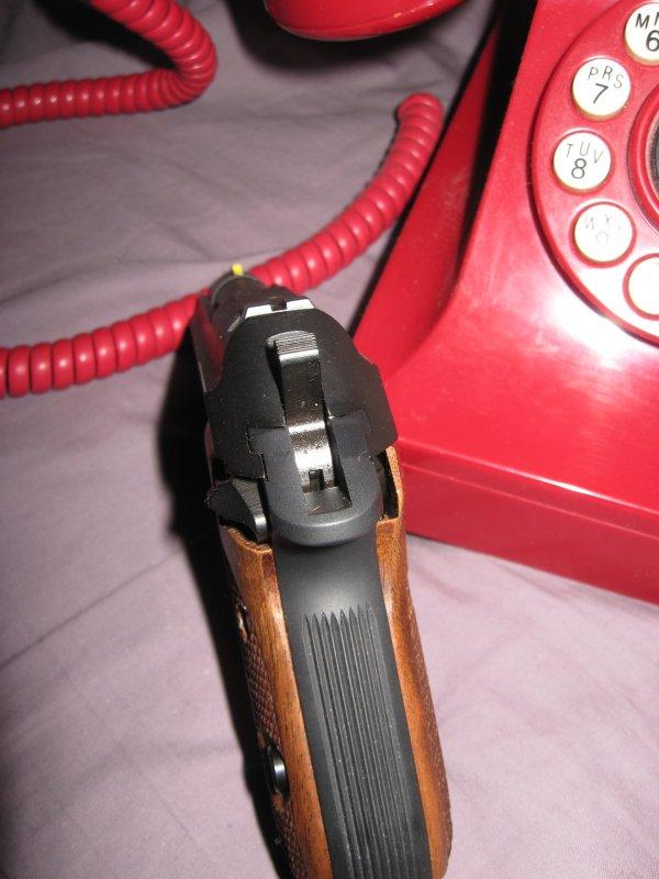 replacing beretta tomcat grips